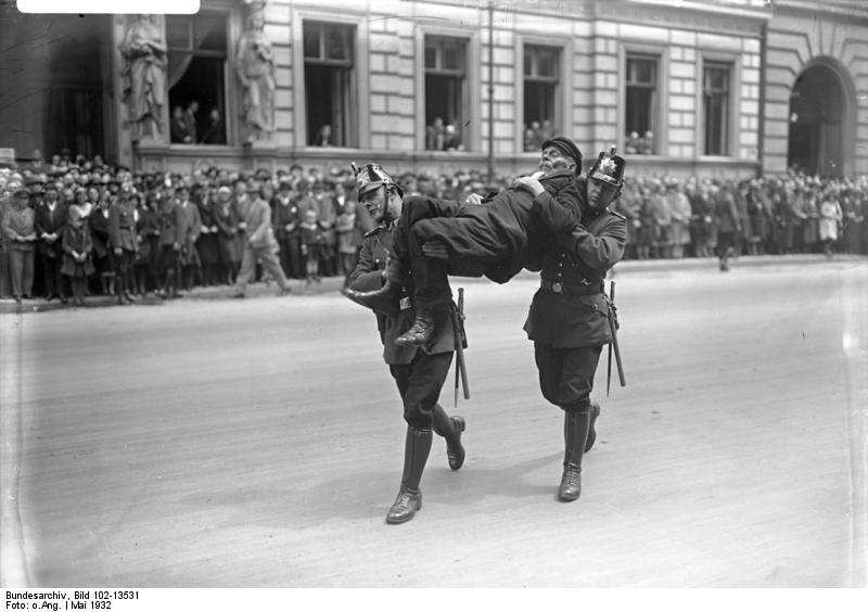 berlin_skagerrak-ehrenwache_polizei-einsatz